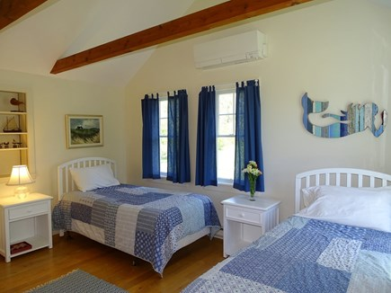 Chilmark Martha's Vineyard vacation rental - Twin bedroom