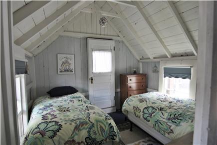 Oak Bluffs, Gingerbread Houses Martha's Vineyard vacation rental - Twin bedroom