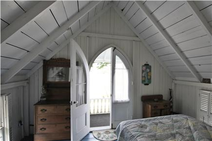 Oak Bluffs, Gingerbread Houses Martha's Vineyard vacation rental - Front bedroom with balcony