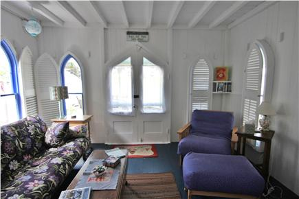 Oak Bluffs, Gingerbread Houses Martha's Vineyard vacation rental - Living room