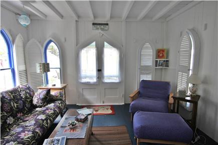Oak Bluffs, Gingerbread Houses Martha's Vineyard vacation rental - Living room