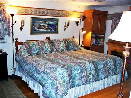 Oak Bluffs, Historic Copeland District  Martha's Vineyard vacation rental - First Floor Master bedroom with king bed (or two twins)