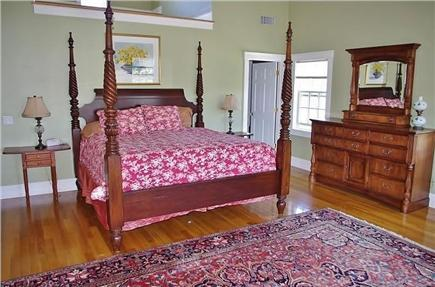 Edgartown Martha's Vineyard vacation rental - Master King with private bath.