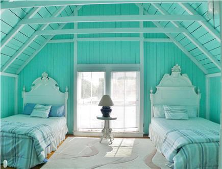 Oak Bluffs Martha's Vineyard vacation rental - 2nd Fl 2 Full Beds with a balcony