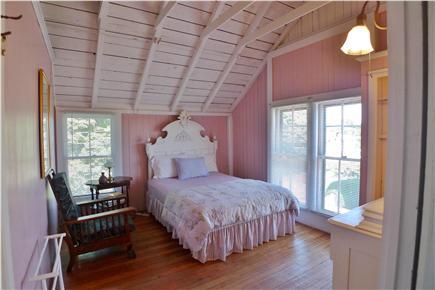 Oak Bluffs Martha's Vineyard vacation rental - 2nd Fl Queen Pink bedroom