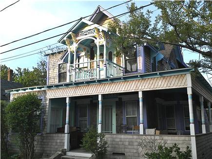 Oak Bluffs Martha's Vineyard vacation rental - Oak Bluffs vacation rental ID 24788 See BlueBreakers.com