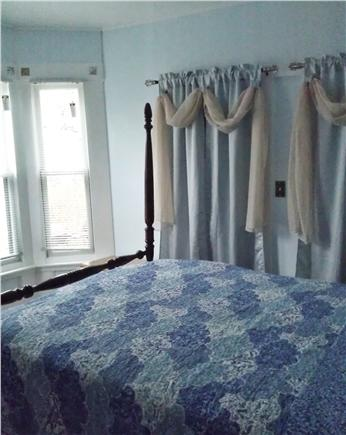 Oak Bluffs Martha's Vineyard vacation rental - A Bedroom with a Queen Poster Bed Facing the Garden