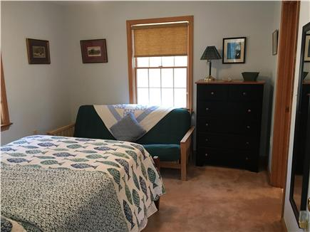 Edgartown, Dodger's Hole Martha's Vineyard vacation rental - First floor bedroom with futon