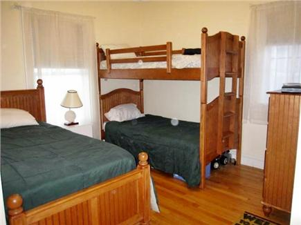 Oak Bluffs Martha's Vineyard vacation rental - Bunk Beds and Full on the 1st level