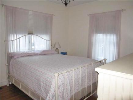Oak Bluffs Martha's Vineyard vacation rental - Queen Bed on 1st level
