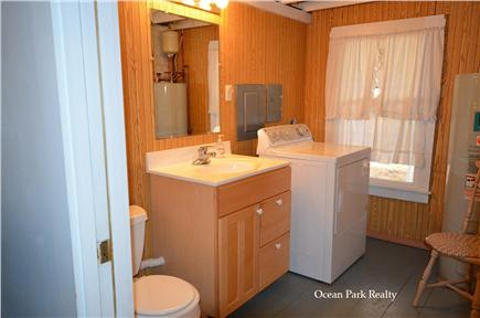 Oak Bluffs Martha's Vineyard vacation rental - First Floor Half Bathroom with Washing Machine