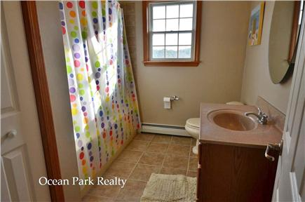 Edgartown Martha's Vineyard vacation rental - Second full bath