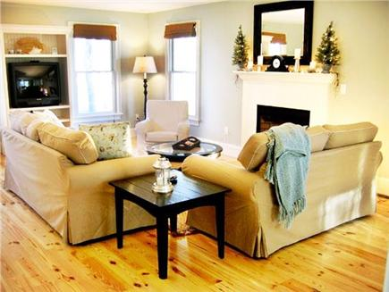 Oak Bluffs Martha's Vineyard vacation rental - Comfortable and relaxing main living room.