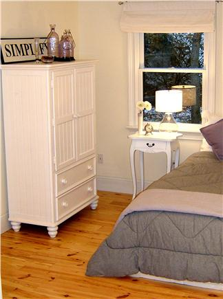 Oak Bluffs Martha's Vineyard vacation rental - Queen room on first floor with bathroom