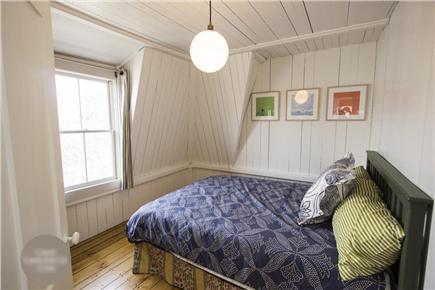 Oak Bluffs Martha's Vineyard vacation rental - Middle Bedroom (Queen Bed)