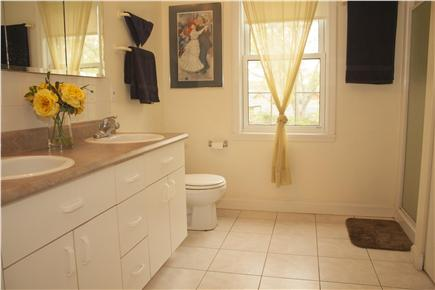 Oak Bluffs Martha's Vineyard vacation rental - The 2nd floor has a shared bathroom that is very spacious.