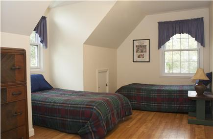 Oak Bluffs Martha's Vineyard vacation rental - The 4th bedroom, with two twin beds.