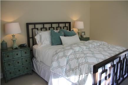 Edgartown Martha's Vineyard vacation rental - Queen guest room