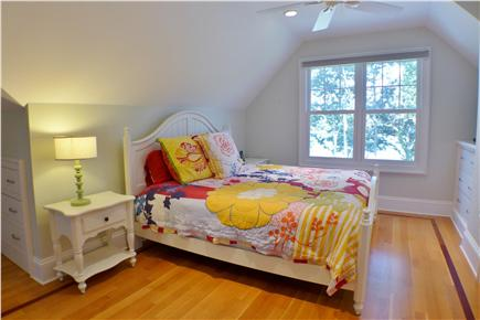 Oak Bluffs Martha's Vineyard vacation rental - Bright and colorful queen en suite