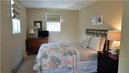 Oak Bluffs Martha's Vineyard vacation rental - Second Floor Queen Size Bed