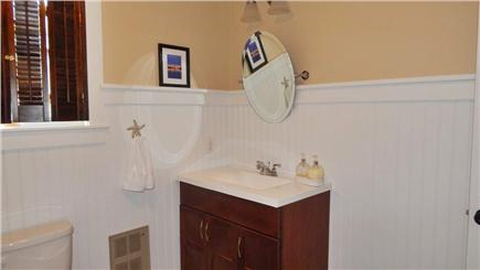 Oak Bluffs Martha's Vineyard vacation rental - First Floor Full Bathroom