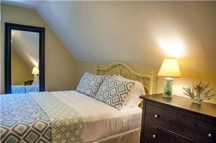 Oak Bluffs Martha's Vineyard vacation rental - Second Floor Full Size Bed