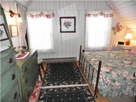 Oak Bluffs Martha's Vineyard vacation rental - Second Floor Queen Bedroom has a floral touch!