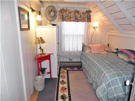 Oak Bluffs Martha's Vineyard vacation rental - Second Floor Single Bedroom has an adjoining door to its neighbor
