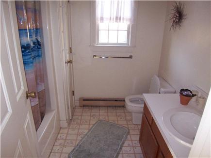 Oak Bluffs Martha's Vineyard vacation rental - Full bath