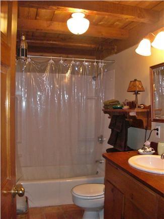 Chilmark Martha's Vineyard vacation rental - Full Bathroom