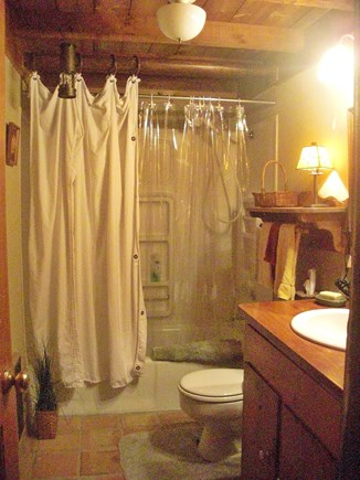 Chilmark Martha's Vineyard vacation rental - Bathroom