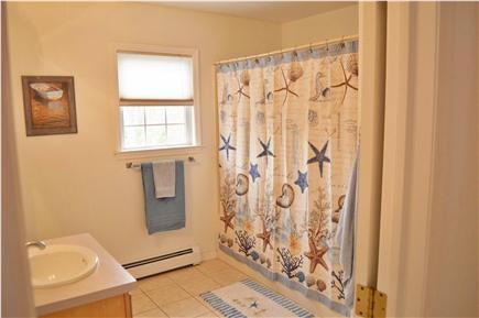 Edgartown Martha's Vineyard vacation rental - First Floor Full Bath