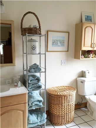 Edgartown Martha's Vineyard vacation rental - Second floor full bath