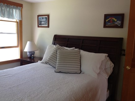 Oak Bluffs, East Chop Martha's Vineyard vacation rental - Upstairs Queen back bedroom