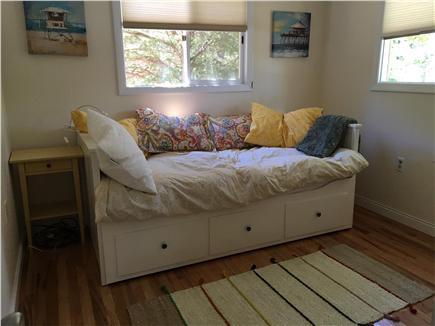 Oak Bluffs Martha's Vineyard vacation rental - Bedroom 2 - Daybed