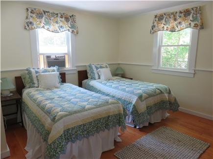 Oak Bluffs, Oak  Bluffs Martha's Vineyard vacation rental - 2nd Bedroom with two twin beds, plenty of natural light