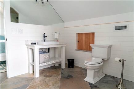 Oak Bluffs Martha's Vineyard vacation rental - Master bathroom