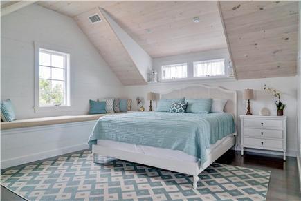 Oak Bluffs Martha's Vineyard vacation rental - Spacious master bedroom (King bed)
