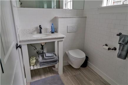 Oak Bluffs Martha's Vineyard vacation rental - Private first floor bathroom off first floor queen bedroom.
