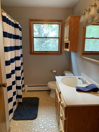 Katama - Edgartown Martha's Vineyard vacation rental - Full bath upstairs
