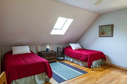 Edgartown Martha's Vineyard vacation rental - Northeast Bedroom (2 single beds)