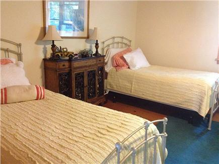 Oak Bluffs Martha's Vineyard vacation rental - Downstairs bedroom with two twins