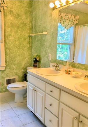 Edgartown Martha's Vineyard vacation rental - 2nd floor bathroom