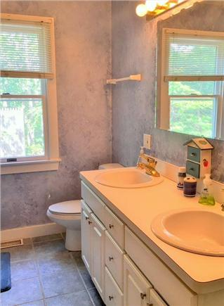 Edgartown Martha's Vineyard vacation rental - Master Bathroom