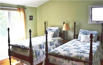 Katama - Edgartown, Edgartown- 1 miles to town  Martha's Vineyard vacation rental - Bedroom 4 - 2 twins, shared bath, TV