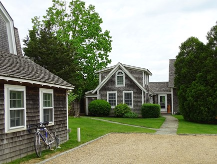 Edgartown Martha's Vineyard vacation rental - Showing studio, positioned in front of main house, large driveway