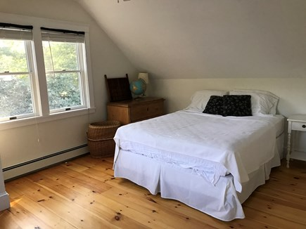 Oak Bluffs Martha's Vineyard vacation rental - Upstairs bedroom with queen bed.