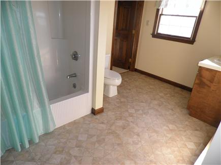 Edgartown Martha's Vineyard vacation rental - Full bath 2nd floor