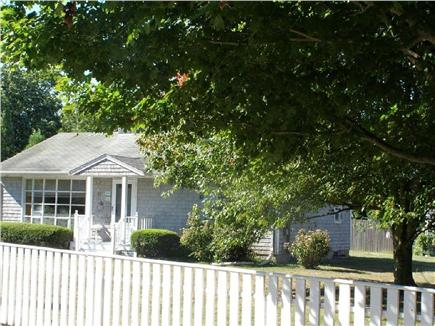 Edgartown Martha's Vineyard vacation rental - Cozy home on quiet street walking distance from Lower Main Street