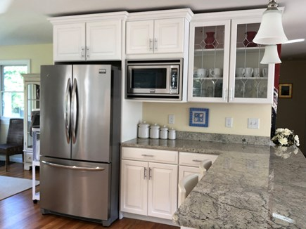 Edgartown Martha's Vineyard vacation rental - Kitchen with granite countertops